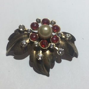 Vintage gold red stone & pearl flower brooch pin